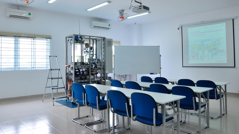 Endress+Hauser Training Center – HCMUT- Training rig