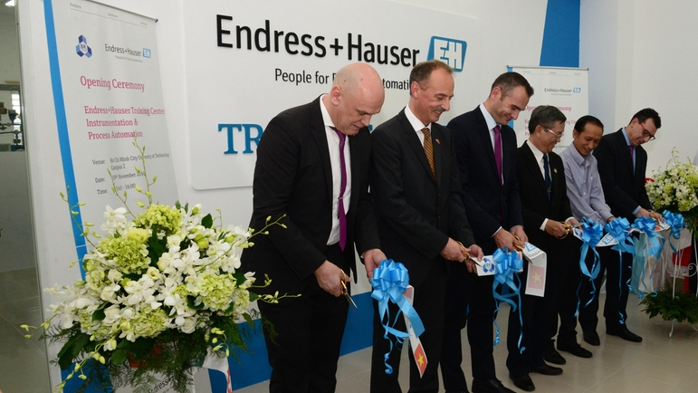 Endress+Hauser Training Center – HCMUT- Ribbon cutting