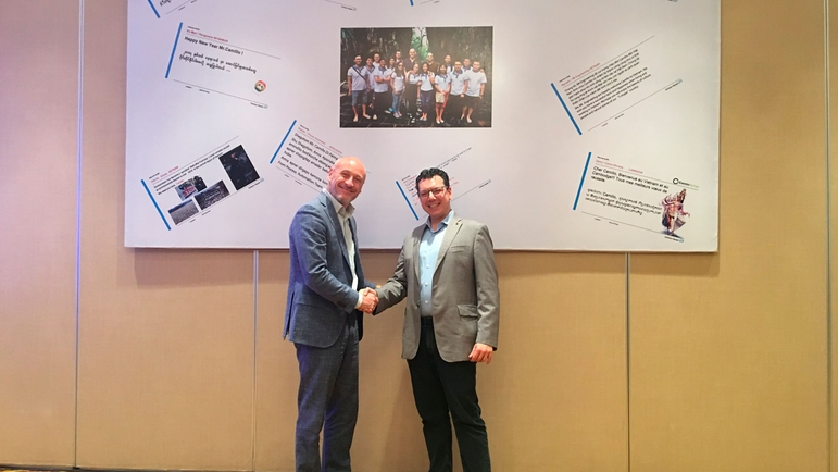Mr. Huber - Managing Director of Endress+Hauser I.I AG shakes hand with Mr. Di Palma to congratulate on his new role at APSC.