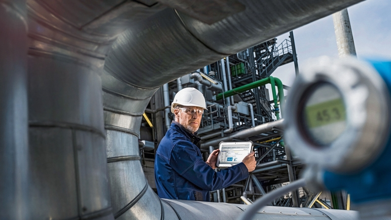 Industrial Internet of Things applications are entering the area of process engineering.